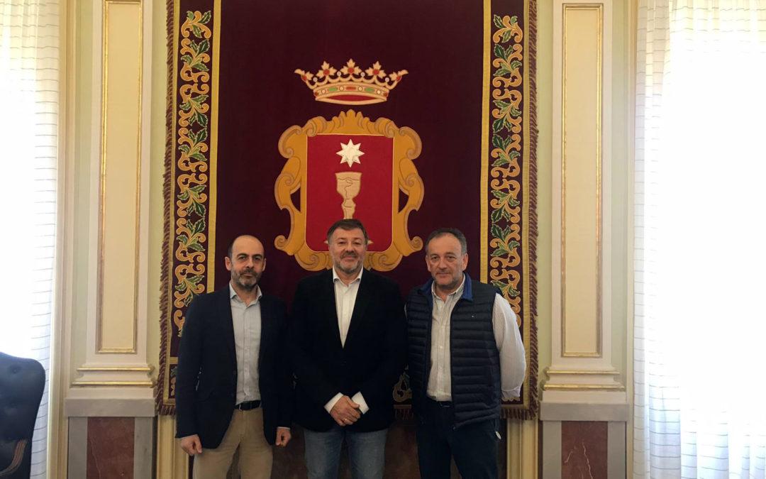 El Colegio de Médicos se ha reunido esta mañana con el Alcalde, Darío Dolz